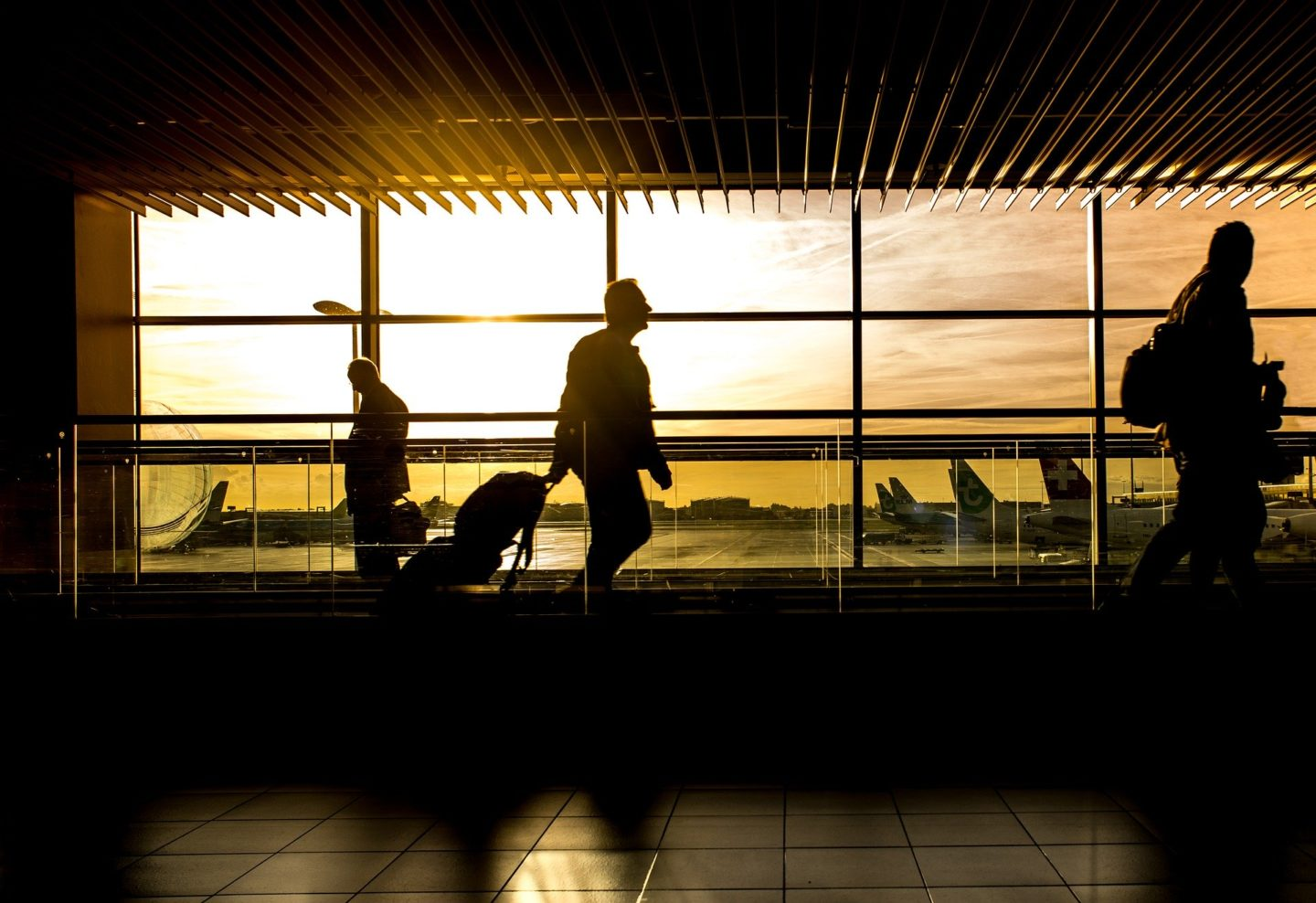 Cheap Holidays Abroad: Booking Early vs Booking Last Minute