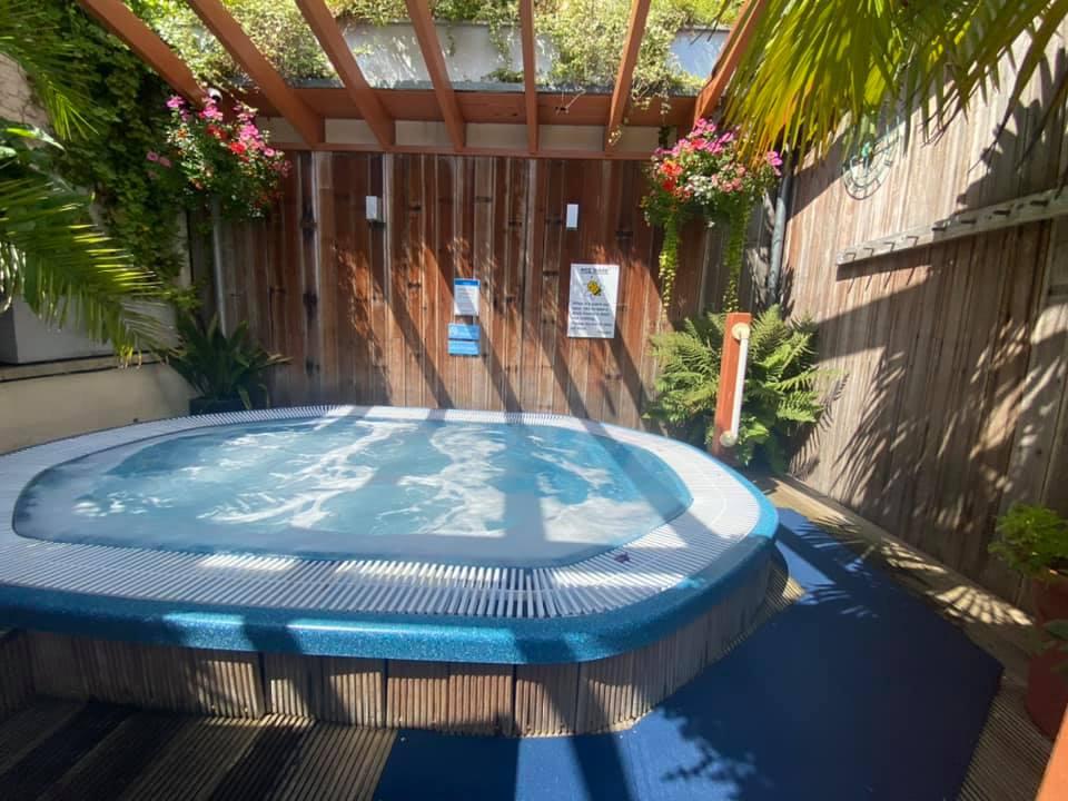 Clifton Lido Hot Tub
